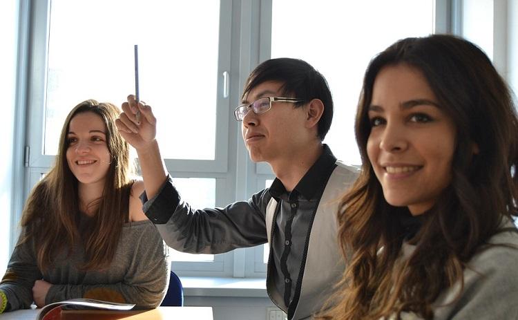 Paketi za prepisivanje na ispitu – studenti imaju sve više mogućnosti