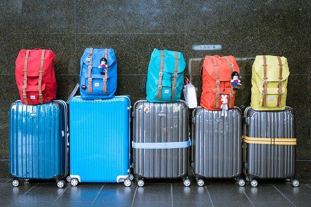 10 najboljih putnih torbi za djecu (+ saveti za djeciji prtljag)