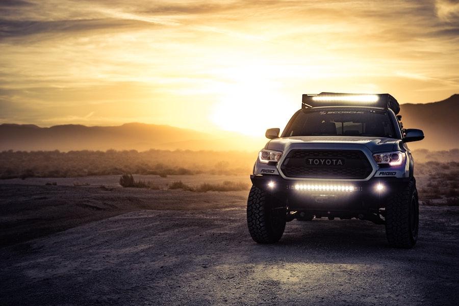 LED svetla za auto ili xenon sijalice